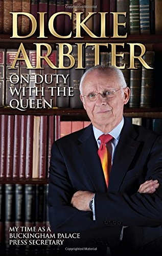 On Duty With the Queen by Dickie Arbiter and Lynne Barrett-Lee